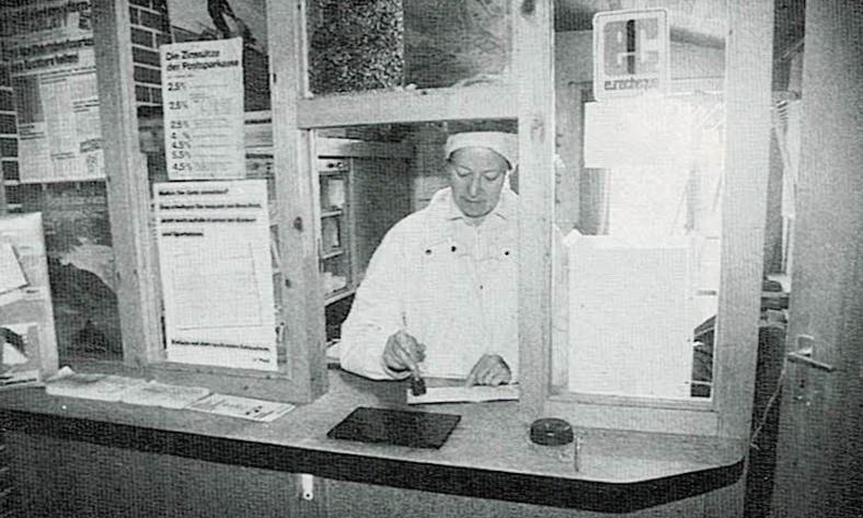 Dieses Bild hat ein leeres Alt-Attribut. Der Dateiname ist Insel-Neuwerk-1990-Postschalter_000715.jpg